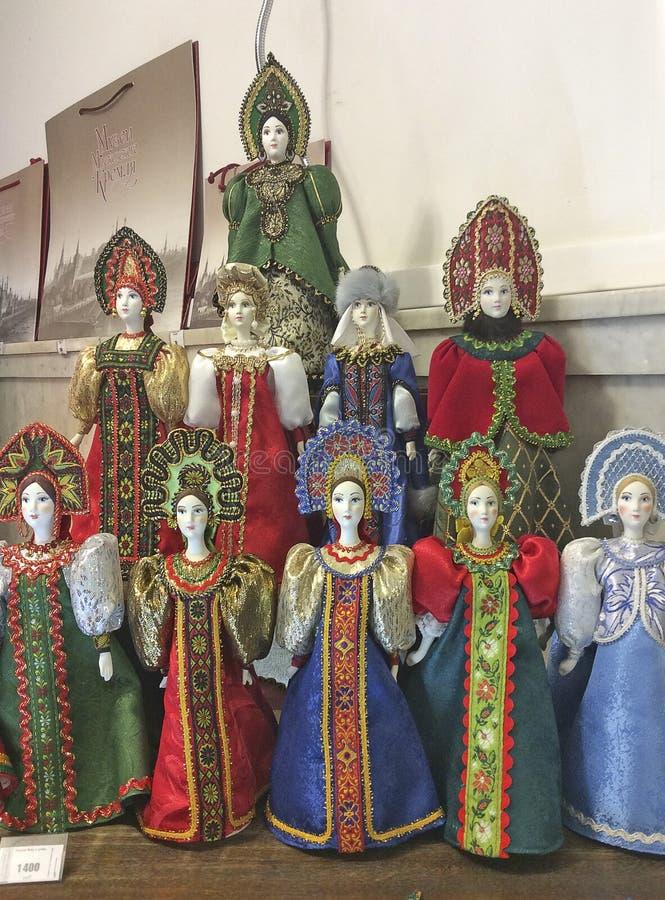 Bambole del Russo del costume immagine stock libera da diritti