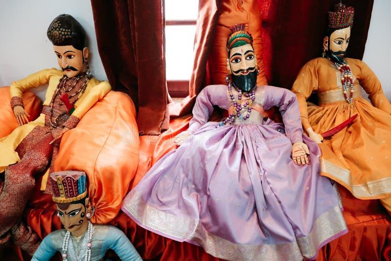 Bambole tradizionali indiane a Bagore Ki Haveli in Udaipur, India immagini stock
