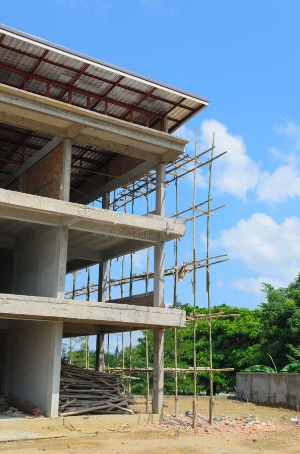 Download Bamboo место лесов конструкции Стоковое Изображение - изображение насчитывающей лейборист, город: 41657259