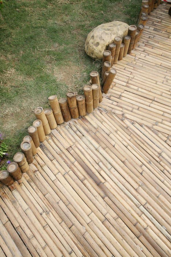 bamboo footpath стоковые изображения rf