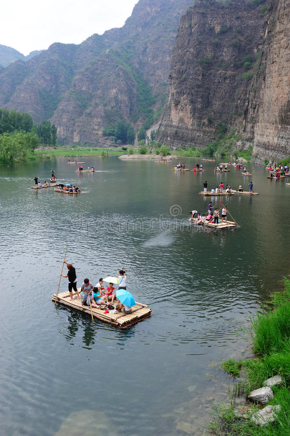 Download Bamboo Raft At The River Editorial Photo - Image: 24860726