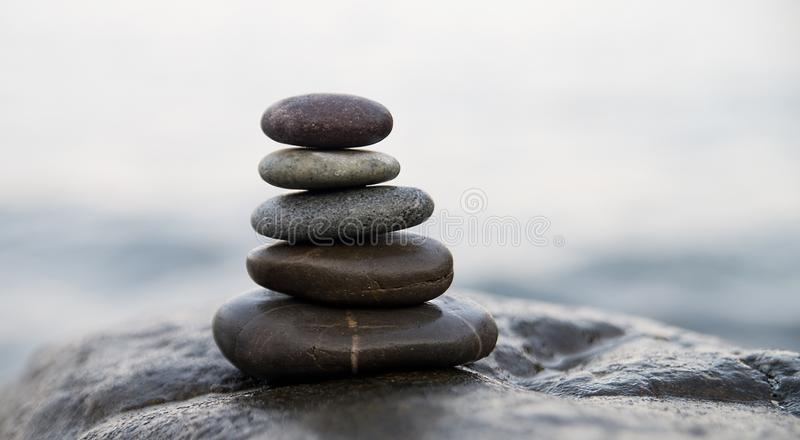 bamboo stones zen Σύμβολο περισυλλογής βουδισμού ειρήνης χαλάρωση στοκ εικόνες με δικαίωμα ελεύθερης χρήσης