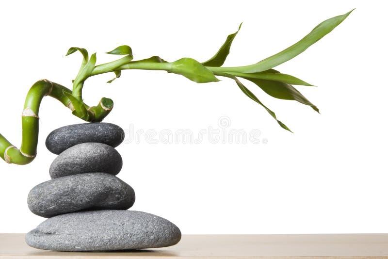Bambu de pedra da pilha e da espiral foto de stock