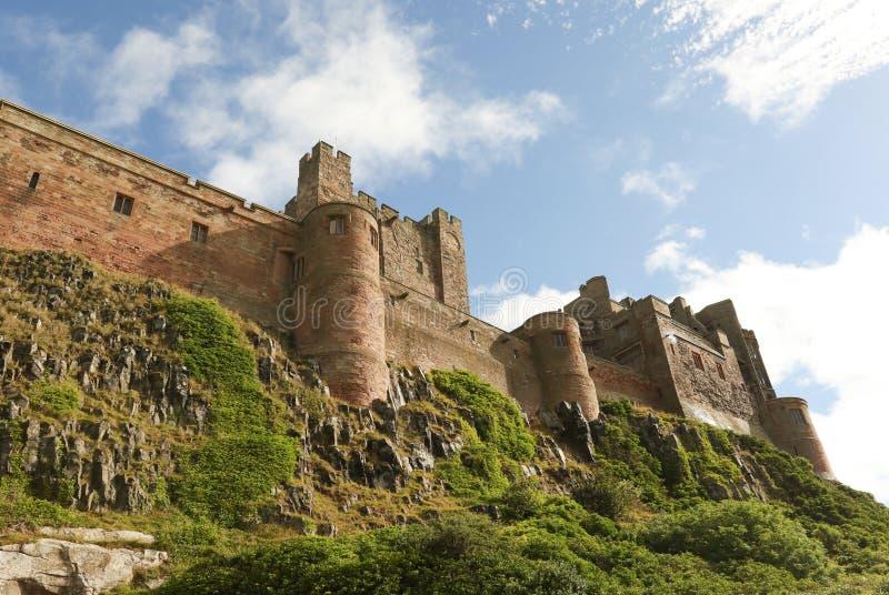 Bamburgh城堡风景视图在诺森伯兰角英国 免版税库存图片
