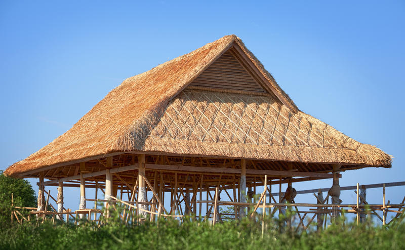 Bambusdach im Bau stockfoto