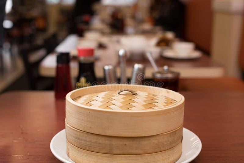 Bambusowy parostatek w Chińskiej restauraci obrazy royalty free