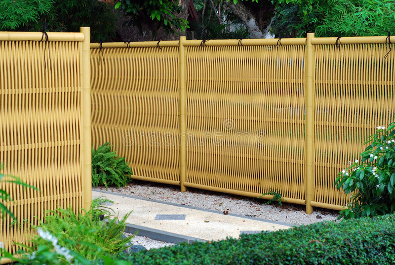 bambustaketplast- royaltyfri foto