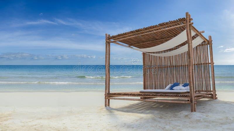 Bambutält på stranden vektor illustrationer