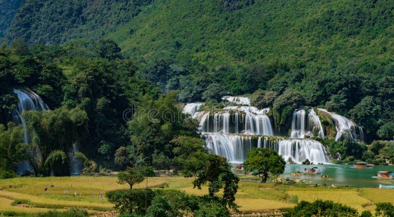 Ban Gioc Waterfall - Detian vattenfall arkivbild