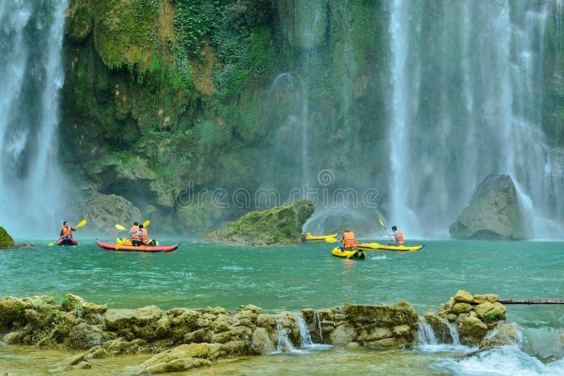 Ban Gioc Waterfall nella provincia di Cao Bang del Vietnam fotografie stock