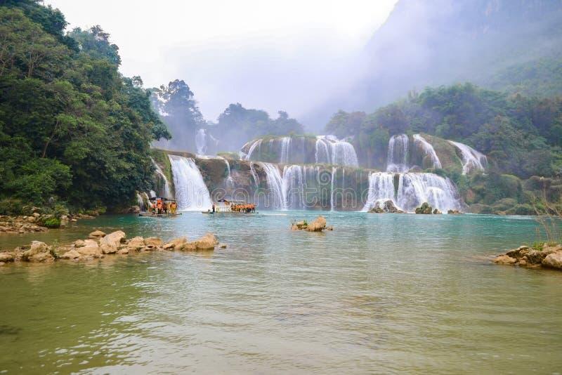Ban Gioc Waterfall o Detian Falls, la cascata più nota del Vietnam fotografie stock libere da diritti