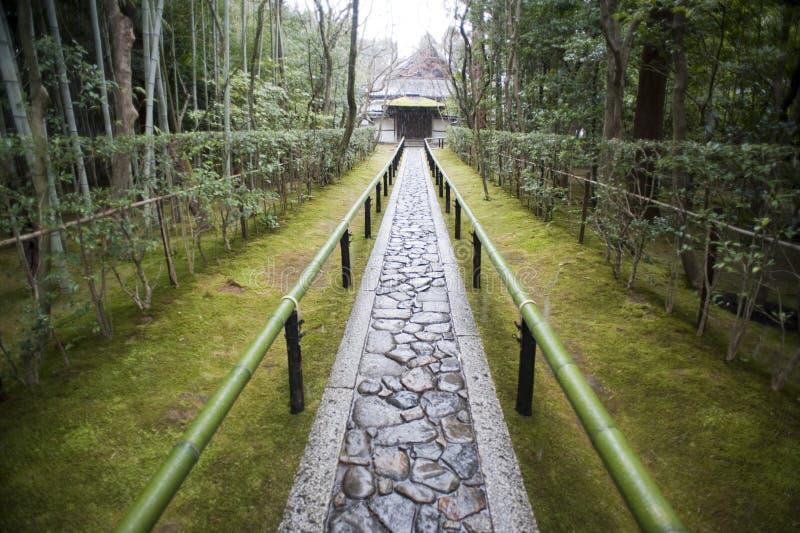Bana till Koto-i, under-templet av Daitoku-ji royaltyfri bild