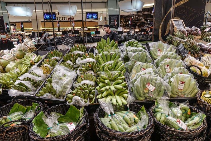 Banaan bij supermarkt in Bangkok, Thailand royalty-vrije stock foto's
