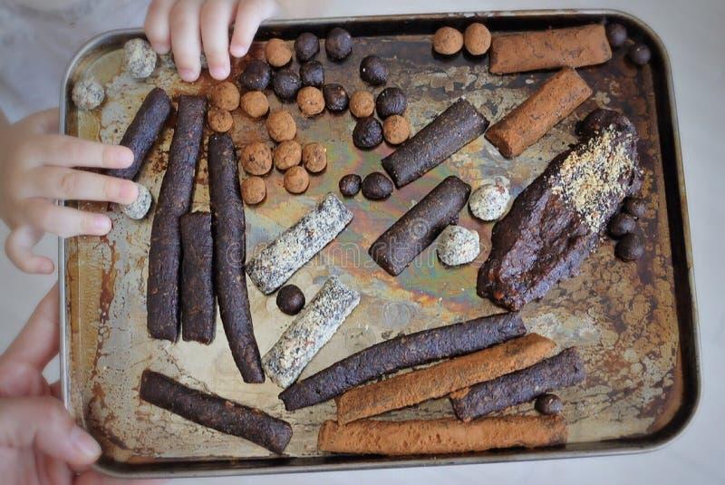 Banaan en noottruffels royalty-vrije stock foto's