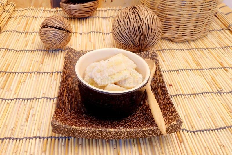 Banaan in kokosmelk, populair dessert van fruit royalty-vrije stock foto's