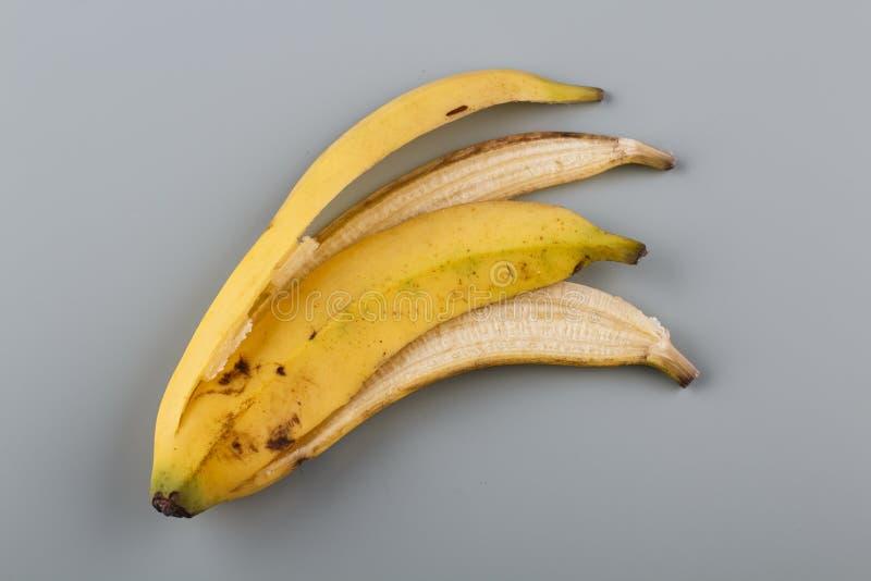 Banaanschil op lijst royalty-vrije stock afbeelding
