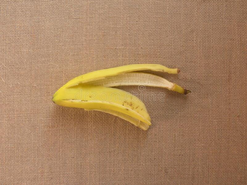 Banana husk isolata fotografia stock libera da diritti