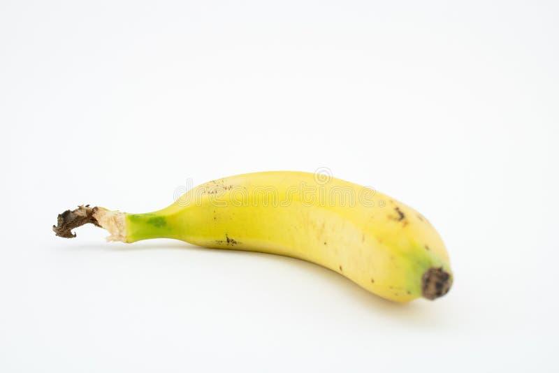 Banana ou banana-da-terra isolada no fundo branco Potássio e magnésio imagens de stock