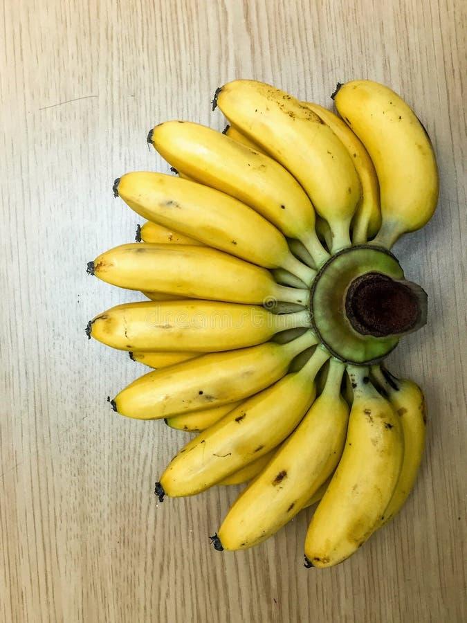 Download Banane immagine stock. Immagine di spazio, alimento, materiale - 56875469
