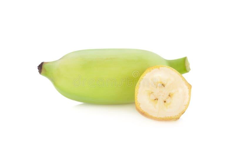 Banane entière et coupée en tranches sur le fond blanc photos stock