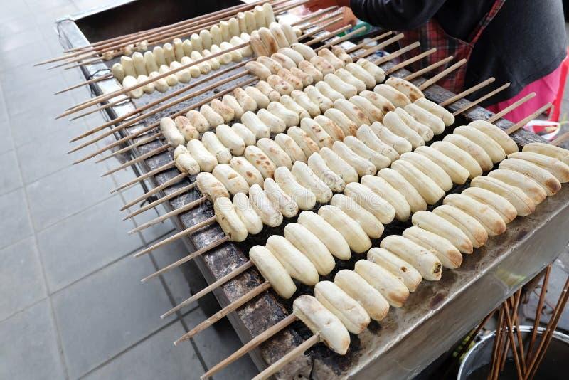 Banane grillée sur le four photo stock