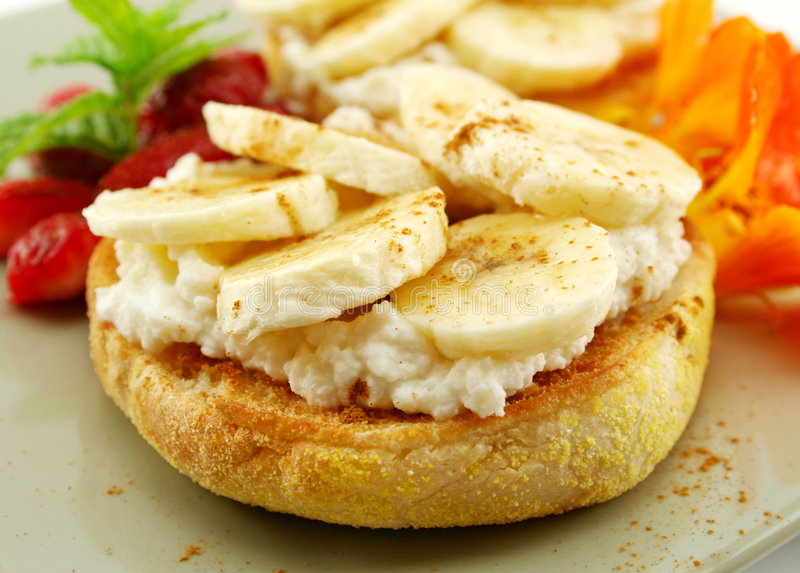 Banane und Ricotta Muffins lizenzfreies stockbild