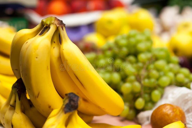 Bananen in markt. royalty-vrije stock fotografie