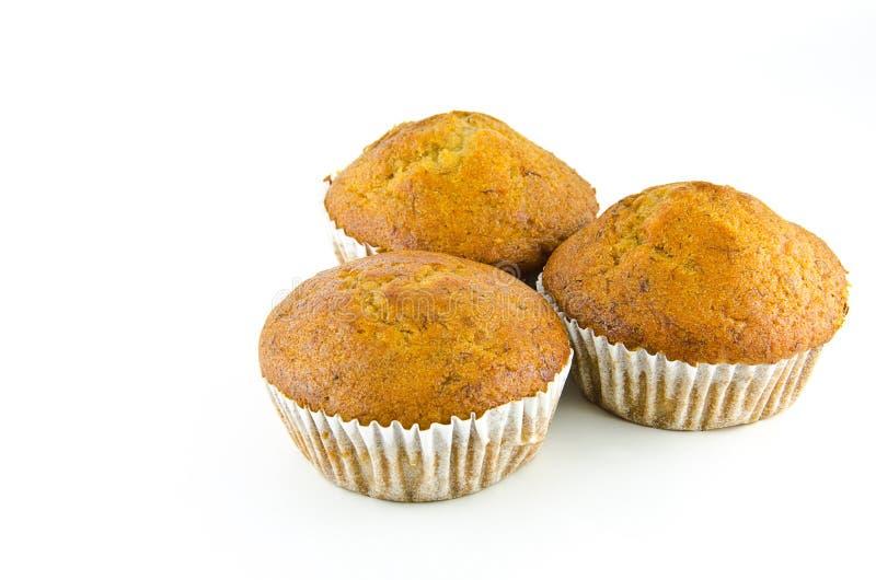 Bananencupkuchen getrennt auf weißem Hintergrund. lizenzfreies stockfoto