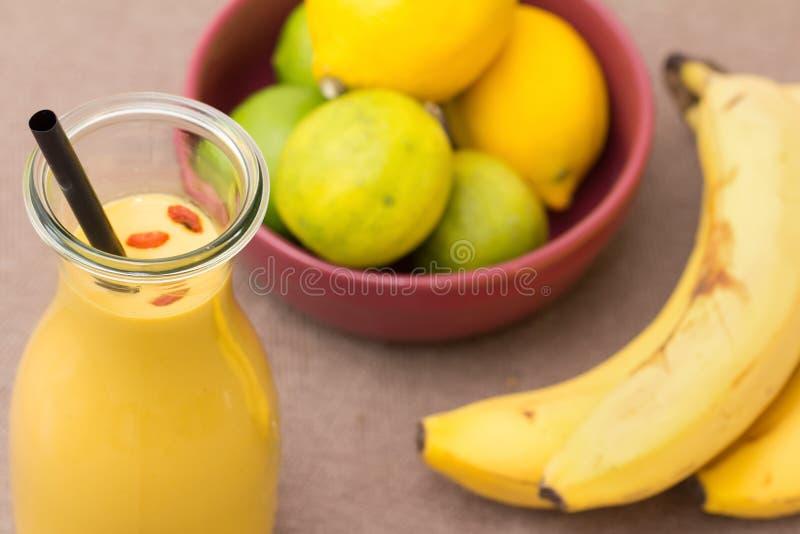 Bananenerschütterung stockbild