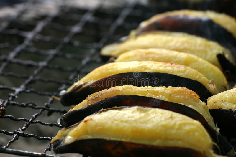 Bananengrill stockfotos