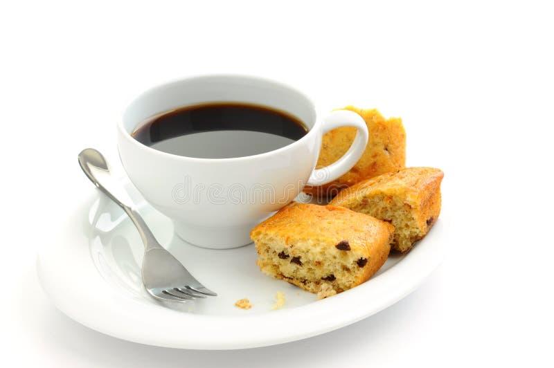 Bananenkuchen und Kaffee lizenzfreie stockfotos