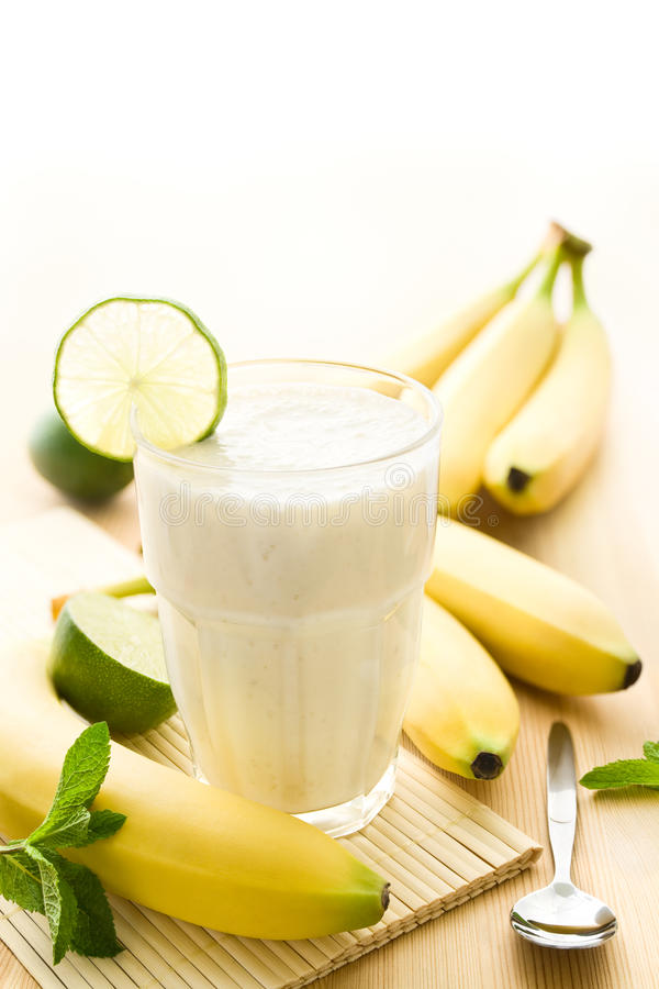 Bananenmilchshake lizenzfreie stockfotografie
