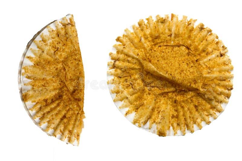 Bananenmuffinkuchen zu essen, Schalenkuchen bael lokalisiert auf weißem Hintergrund stockfoto
