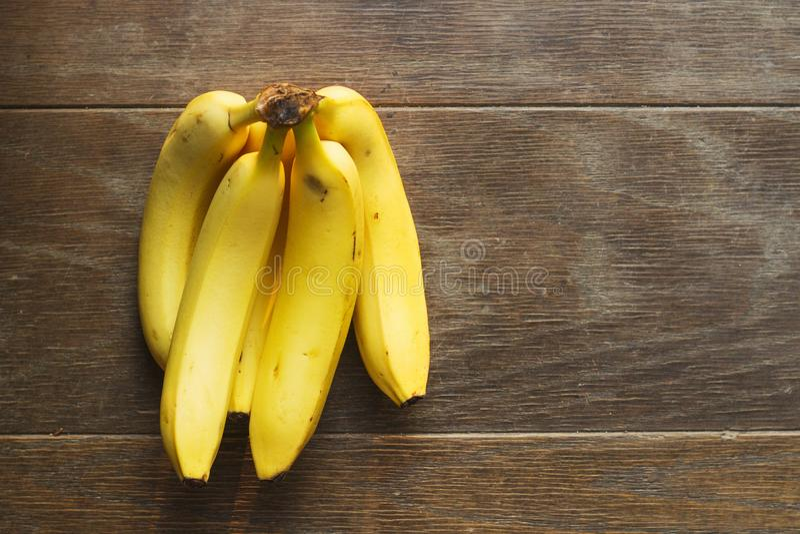 Bananes jaunes sur le Tableau image libre de droits