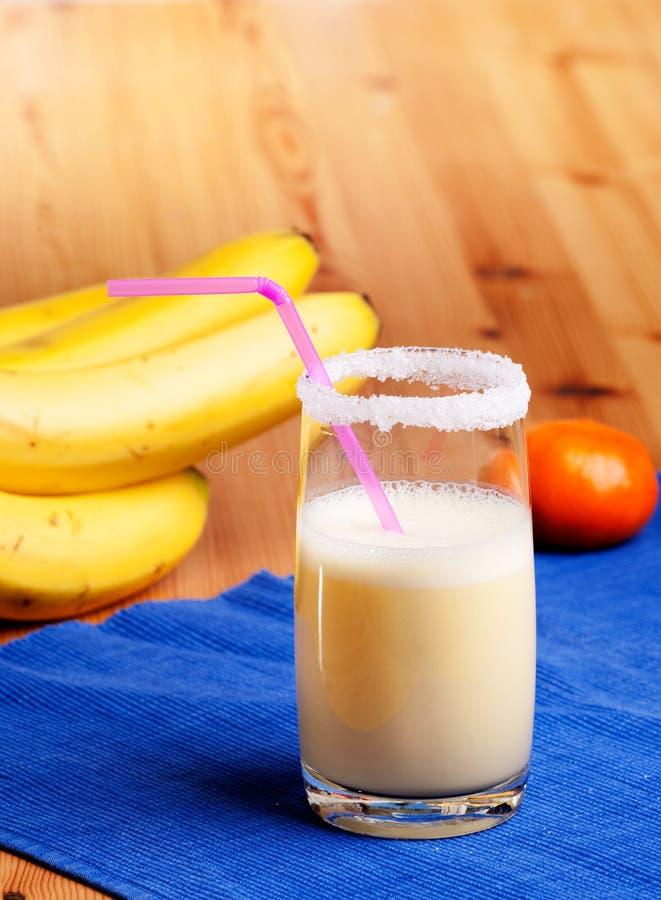 bananowy pomarańczowy smoothie zdjęcia royalty free