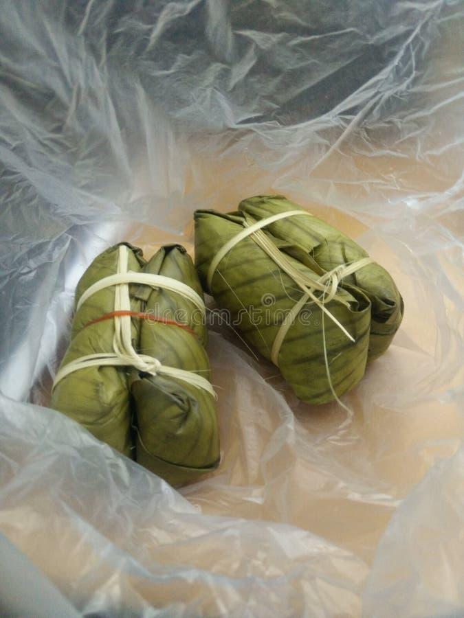 Banany z Kleistym Rice (Khao Tom mata lub Khao Tom ochraniacz) obrazy stock