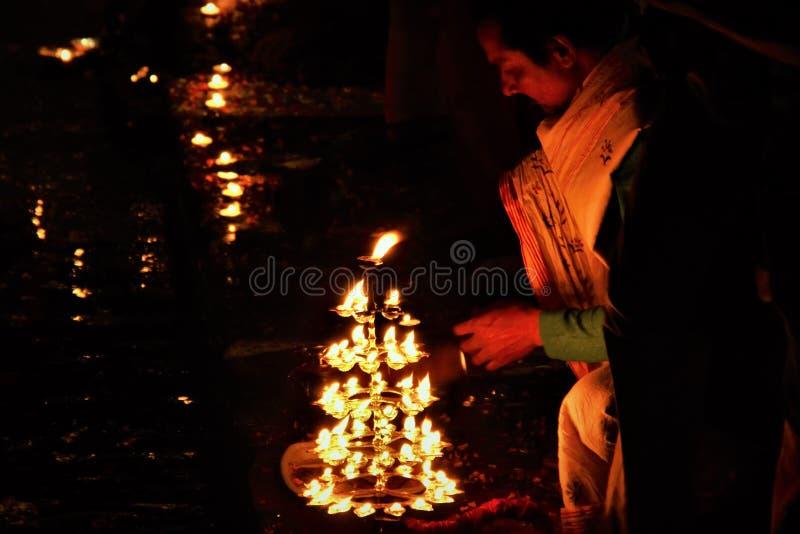 Banaras ghaat India van Gangaaarti stock foto's