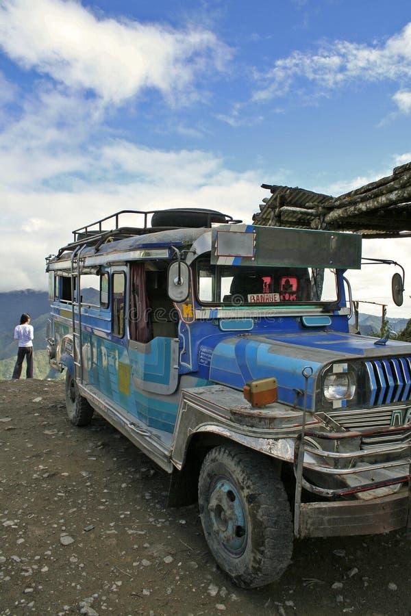 Banaue till batadjeepneyen philippines arkivbild