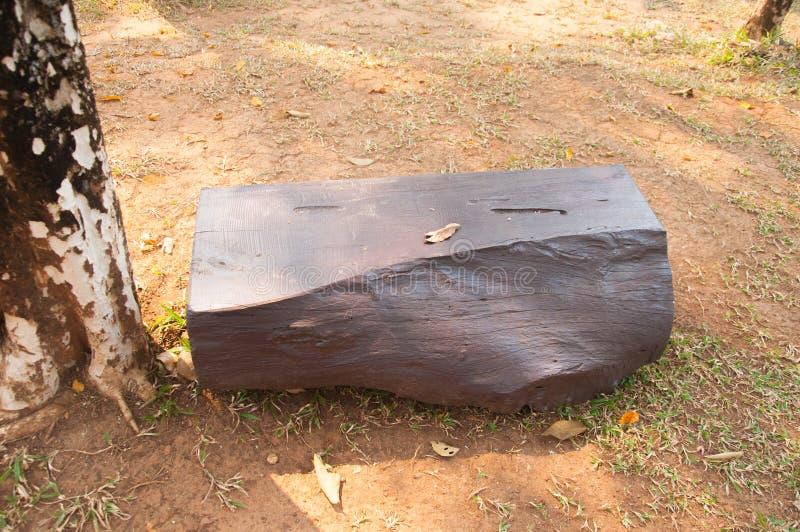 banc en pierre dans le jardin photo stock image du grand outdoors 53203886. Black Bedroom Furniture Sets. Home Design Ideas