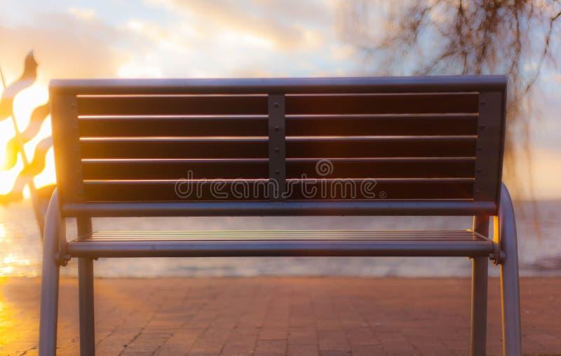 Banc en soleil photographie stock