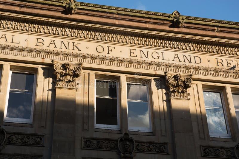 'Banca di Inghilterra' iscritta su una vecchia costruzione di banca fotografia stock libera da diritti