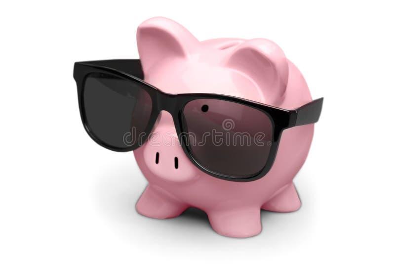 Download Banca Piggy Con Gli Occhiali Da Sole Immagine Stock - Immagine di finanze, intelligente: 117980621