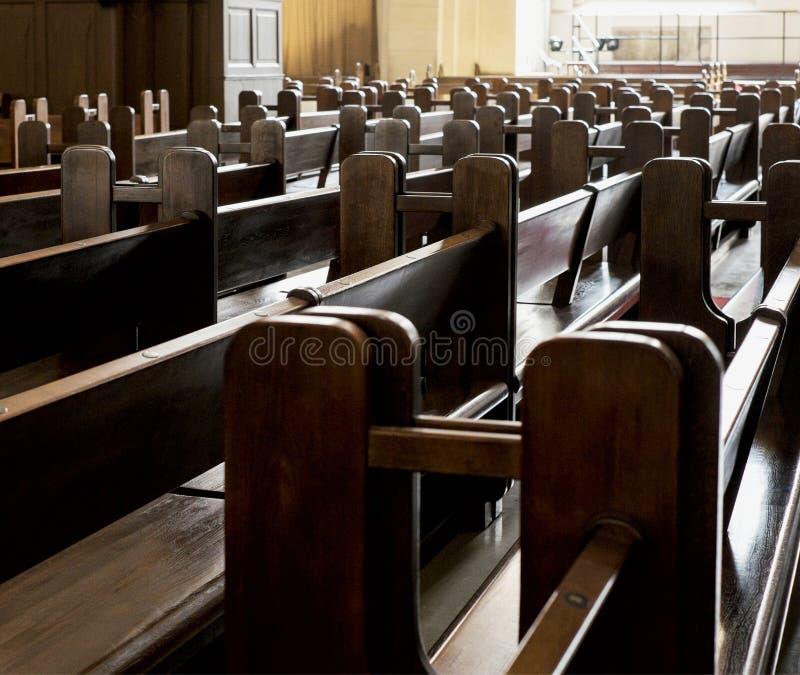 Banchi in chiesa luterana immagini stock libere da diritti