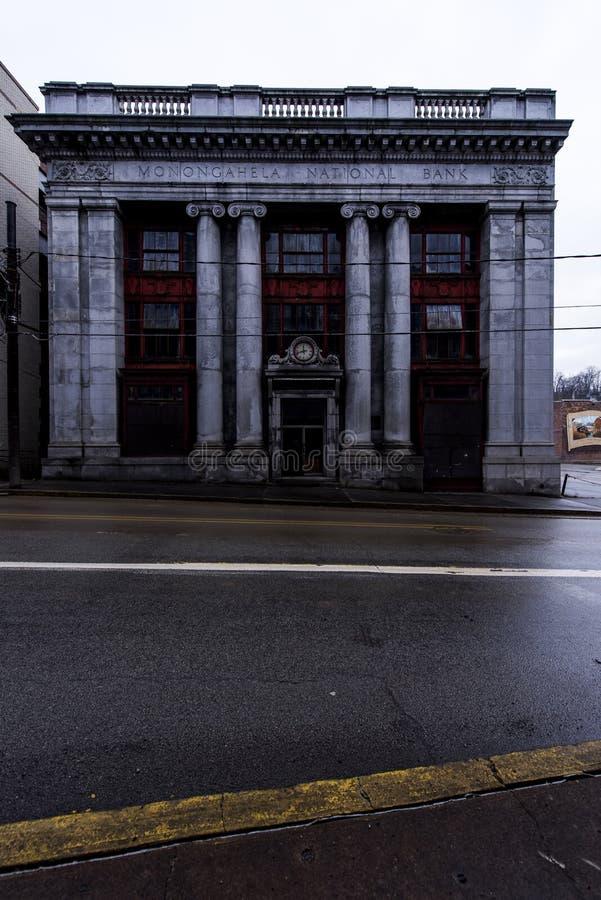 Banco abandonado - Brownsville, Pensilvânia fotos de stock