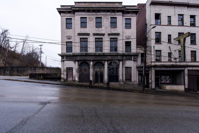 Banco abandonado - Brownsville, Pensilvânia imagens de stock