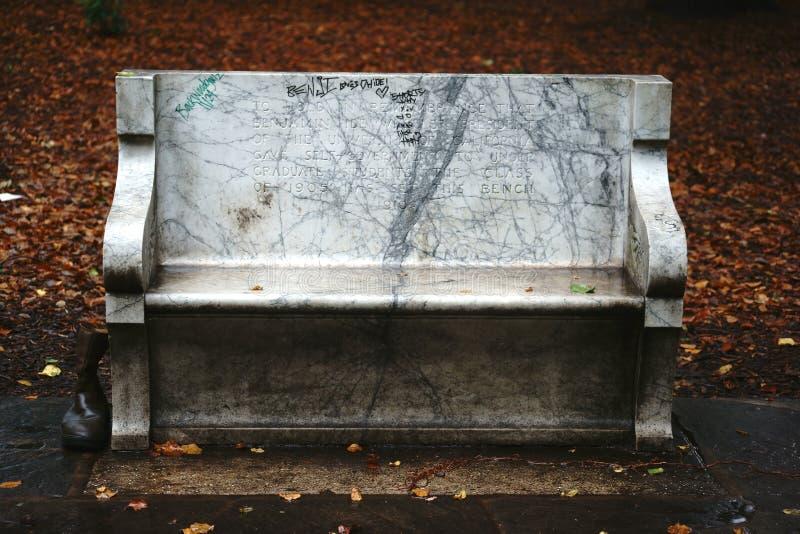 Banco con la inscripción conmemorativa Berkeley imagen de archivo libre de regalías