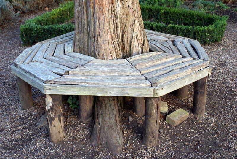 Banco de madera Asiento de madera imagen de archivo libre de regalías