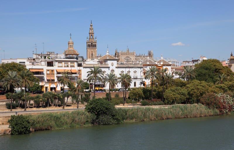 Banco de rio de Guadalquivir em Sevilha fotos de stock