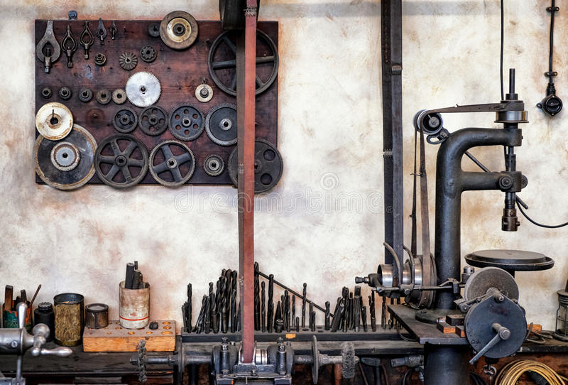 Banco de trabajo viejo foto de archivo libre de regalías