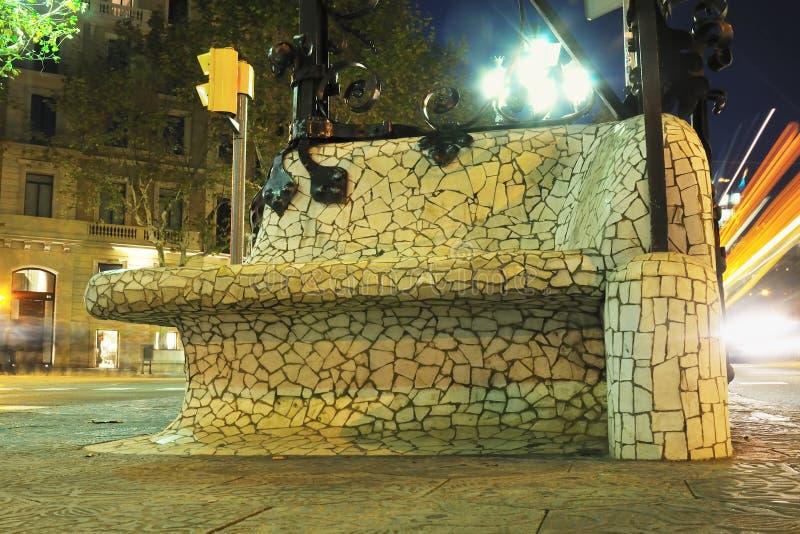 Banco del mosaico, Barcelona imagen de archivo
